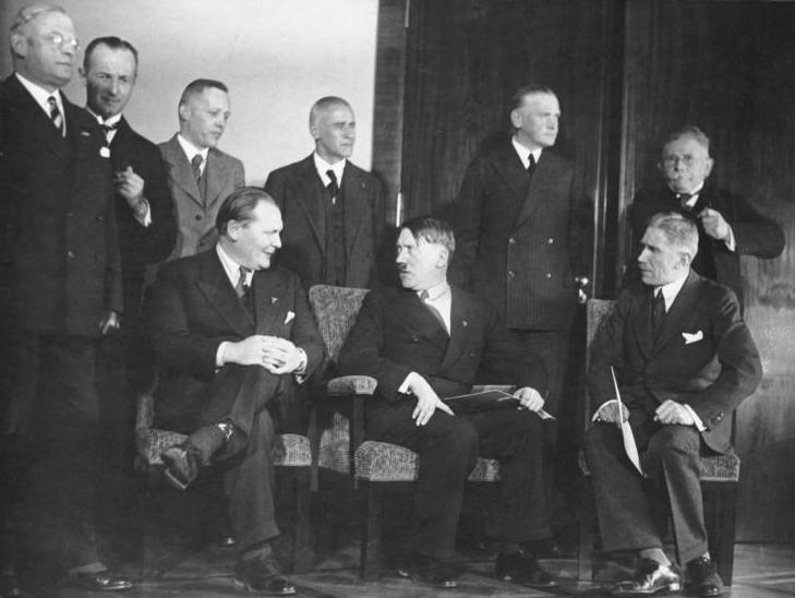تشكيل هتلر للحكومة