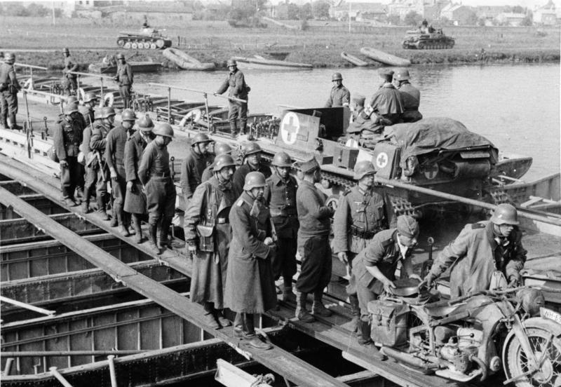عبور القوات الألمانية نهر الماس